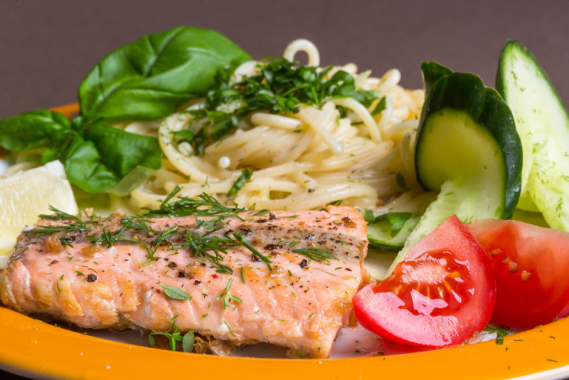 """Lachs & Nudeln"""